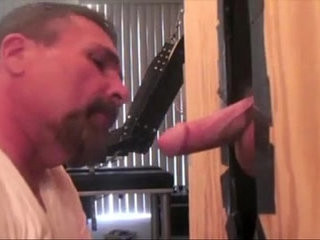 Gloryhole daddy sucking his couple to the cum | couple   cums   daddy   gloryhole   sucking
