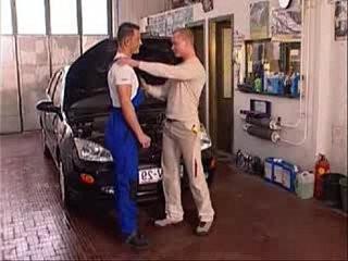 The hot mechanic | banged