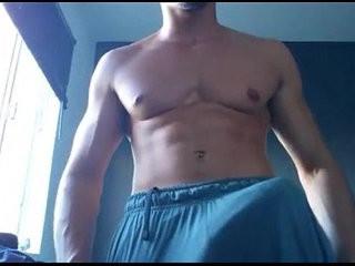 Maduro casado de gym su verga enorme en cam | bigcock  camera  muscular